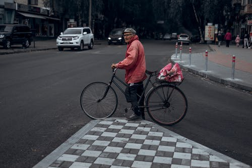 Fotos de stock gratuitas de adulto, al aire libre, bici, bicicleta