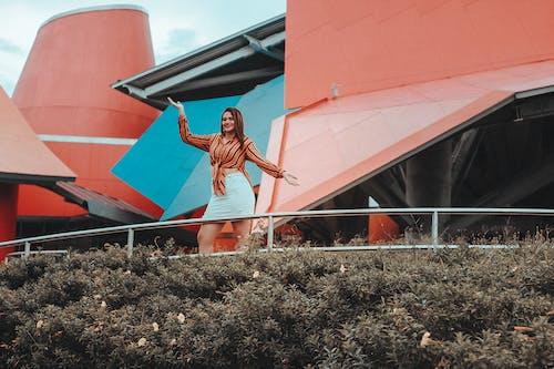 Δωρεάν στοκ φωτογραφιών με casual, άνθρωπος, αρχιτεκτονική, γυναίκα