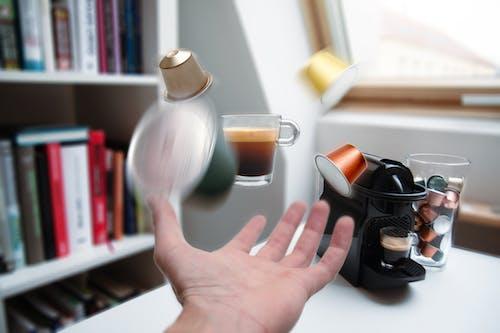 Základová fotografie zdarma na téma Adobe Photoshop, design, domácí interiér, kávový nápoj