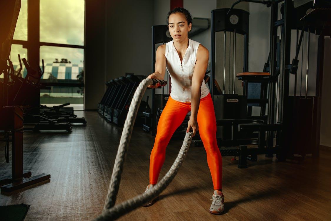 crossfit锻炼, 人, 健身器材