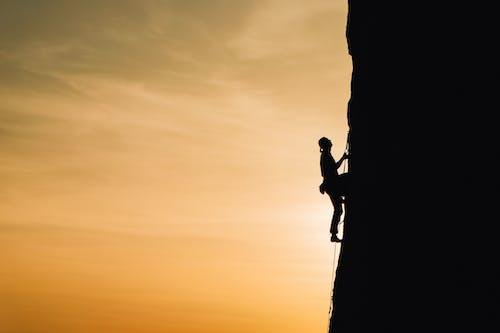 Kostenloses Stock Foto zu abenteuer, anstrengung, bergsteiger, bestimmung