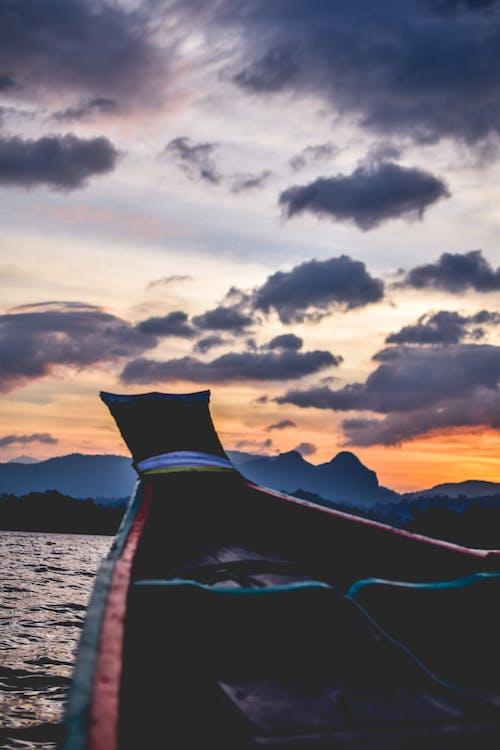 Foto d'estoc gratuïta de Àsia, barca, bonic capvespre, capvespre