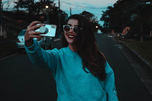 Free stock photo of cell phones, happiness, smiles