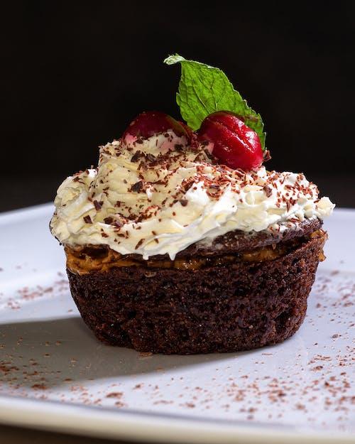 Photos gratuites de artisanal, baie, cake, cake au chocolat