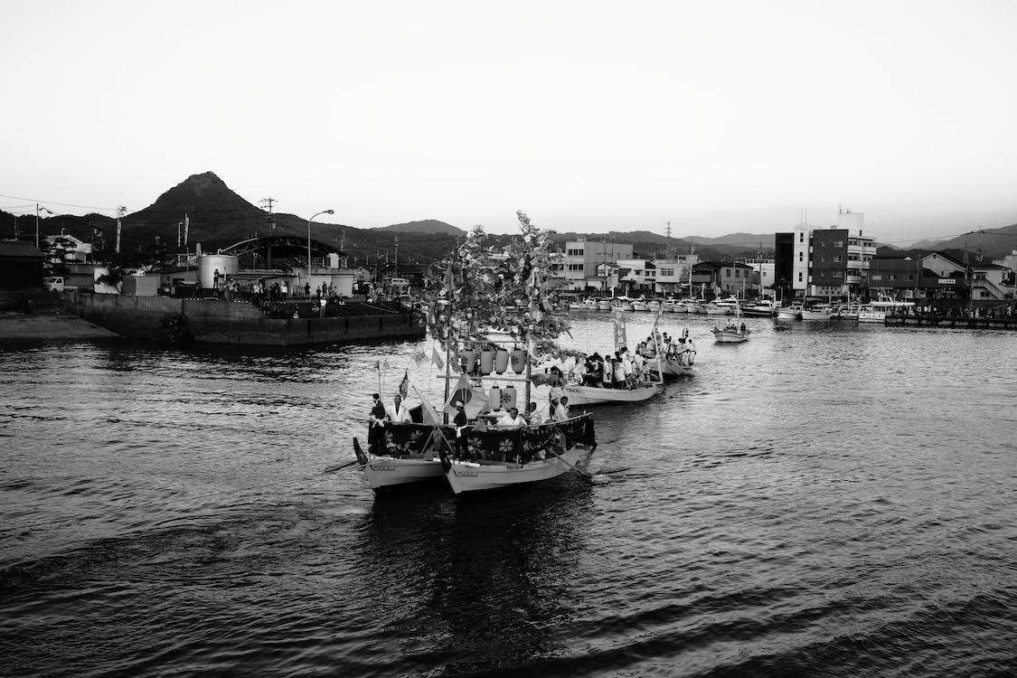 båter, bevegelse, by