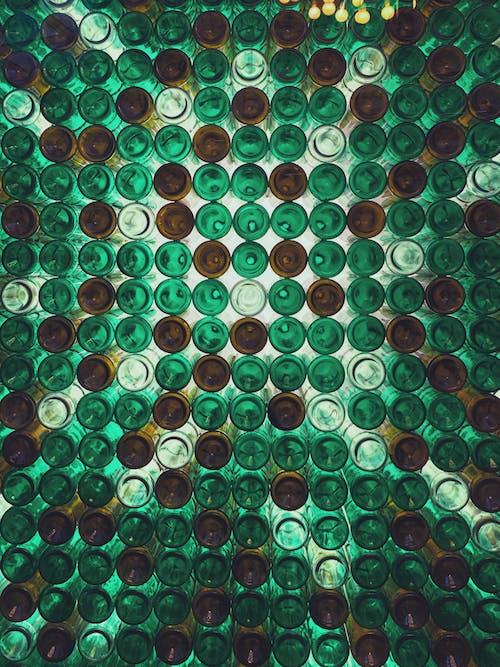 Безкоштовне стокове фото на тему «декорація, жаб'яча перспектива, мистецтво, пляшки»