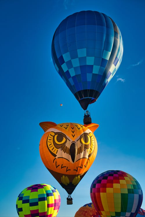 Бесплатное стоковое фото с активный отдых, веселье, воздушные шары, голубое небо