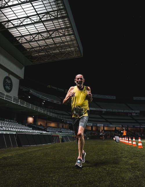 Foto profissional grátis de atleta, estádio, homem, runnig