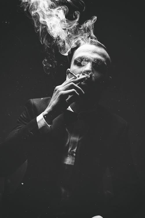 การสูบบุหรี่, ขาวดำ, คน