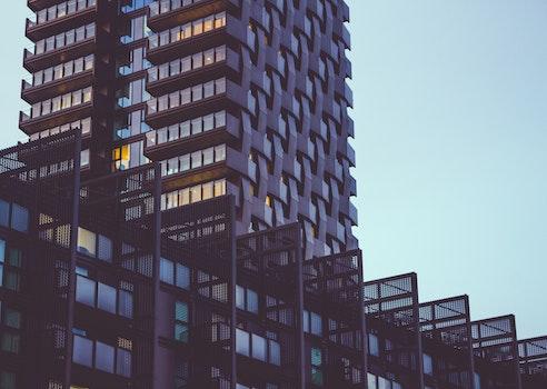 Kostenloses Stock Foto zu stadt, himmel, fenster, modern