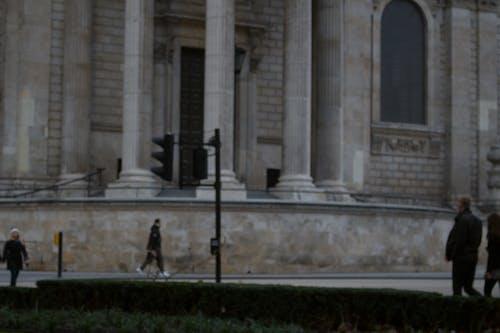 セントポール, ぼやけている, ロンドンを歩く人, 夕方の無料の写真素材