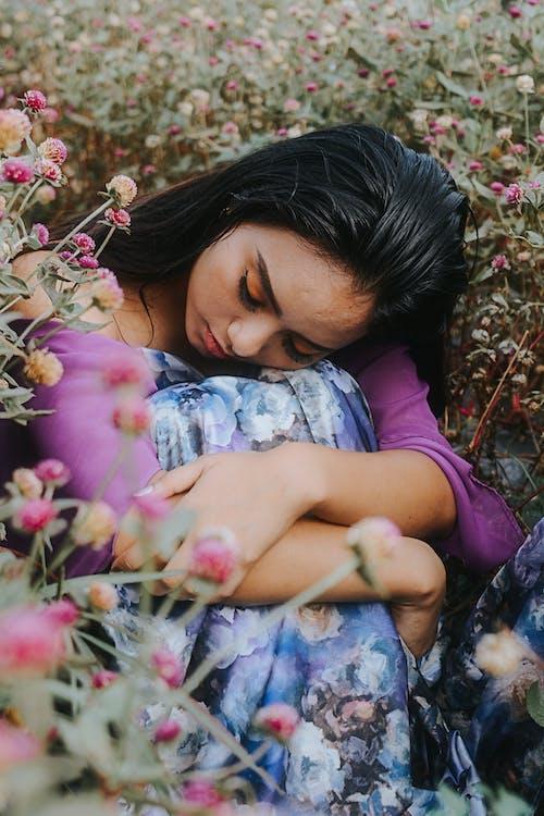 Ingyenes stockfotó álló kép, ázsiai lány, ázsiai nő, fű témában