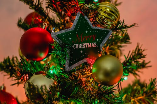 Fotos de stock gratuitas de adviento, árbol de Navidad, bolas de navidad, brillar