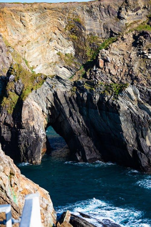 Foto profissional grátis de abismo, adega, adegas, água da caverna