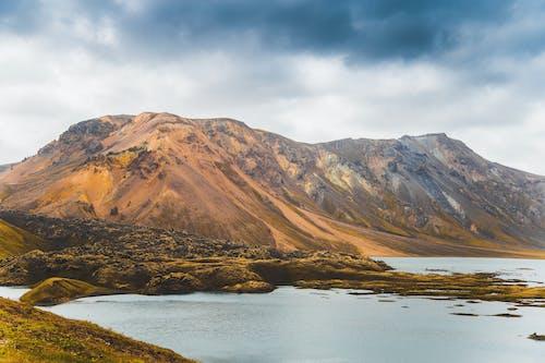 Foto stok gratis hari yang mendung, Islandia, pegunungan