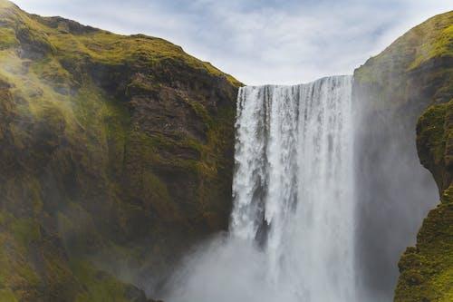 Gratis stockfoto met berg, buitenshuis, cascade, damp