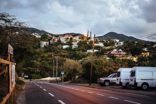 Δωρεάν στοκ φωτογραφιών με ακτή, αστικός, αυτοκίνητο, αυτοκινητόδρομος