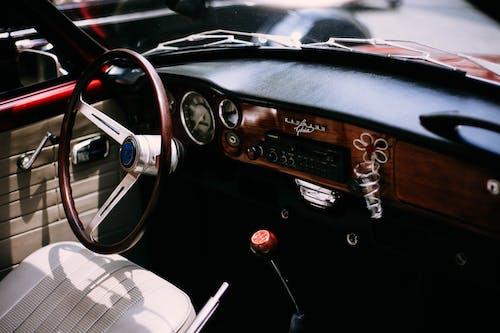 Kostnadsfri bild av bil, bil-, bilinteriör, instrumentbräda