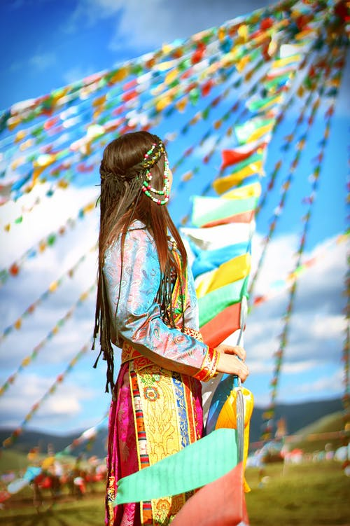 女人, 彩旗, 華美, 豐富多彩 的 免费素材照片