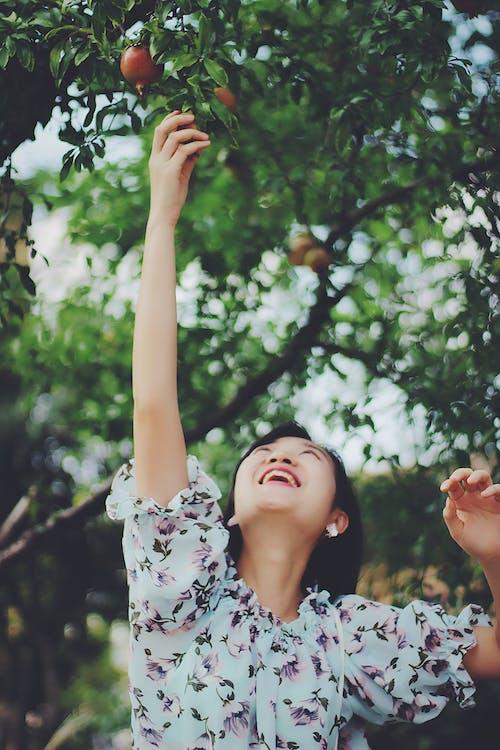 亞洲女人, 享受, 女人, 快樂 的 免費圖庫相片