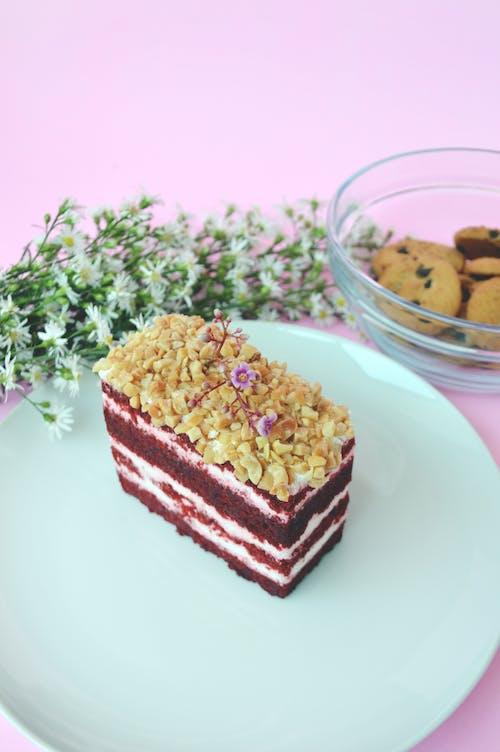 Gıda, hamur işi, kek, kırmızı kadife içeren Ücretsiz stok fotoğraf