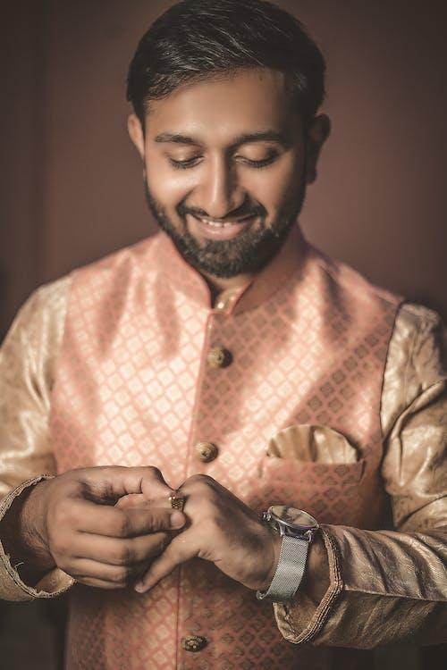 Δωρεάν στοκ φωτογραφιών με άνδρας, γαμπρός, δαχτυλίδι, δάχτυλο