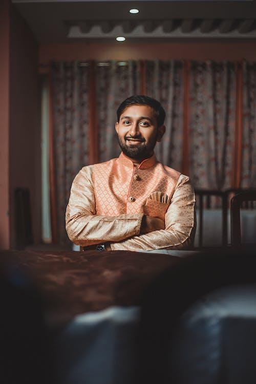 Δωρεάν στοκ φωτογραφιών με kurta, άνδρας, αρσενικός, βλέπω