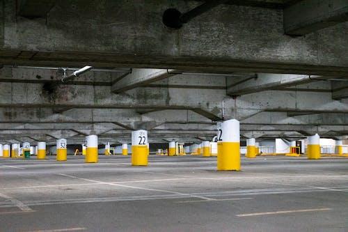 Fotos de stock gratuitas de aparcamiento, columnas, estacionamiento, Montreal