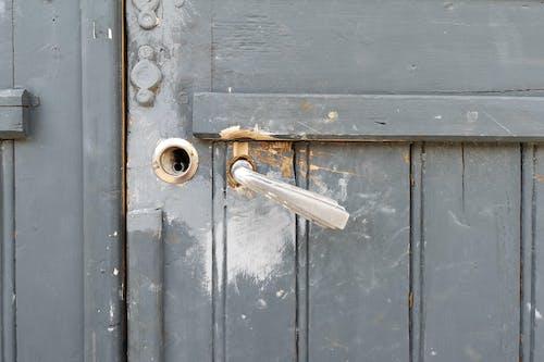 Fotos de stock gratuitas de gris, picaporte, pintado, puerta