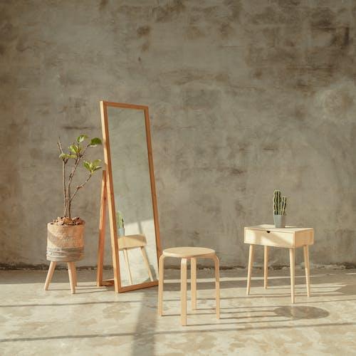 Δωρεάν στοκ φωτογραφιών με έπιπλα, εσωτερικοί χώροι, καρέκλα, τραπέζι