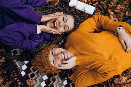 가을 색, 가장 친한 친구, 단풍, 미소의 무료 스톡 사진