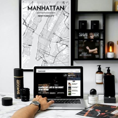 Gratis lagerfoto af bærbar computer, computer, elektronik, enhed