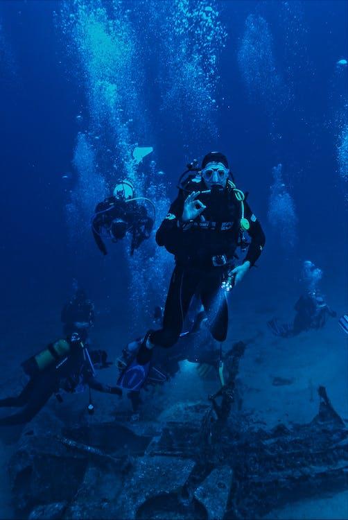 Photo People Scuba Diving