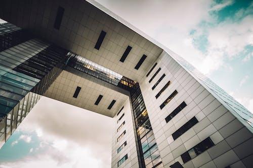 Foto profissional grátis de arquitetura, construção, design arquitetônico, perspectiva