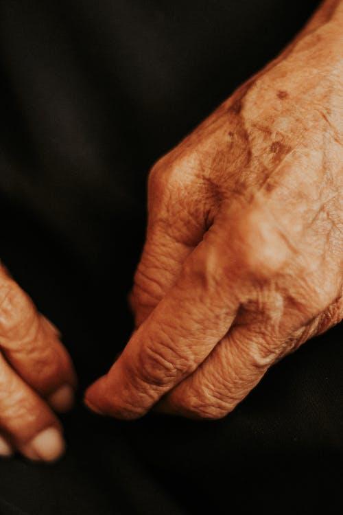 eldre, fingre, hånd