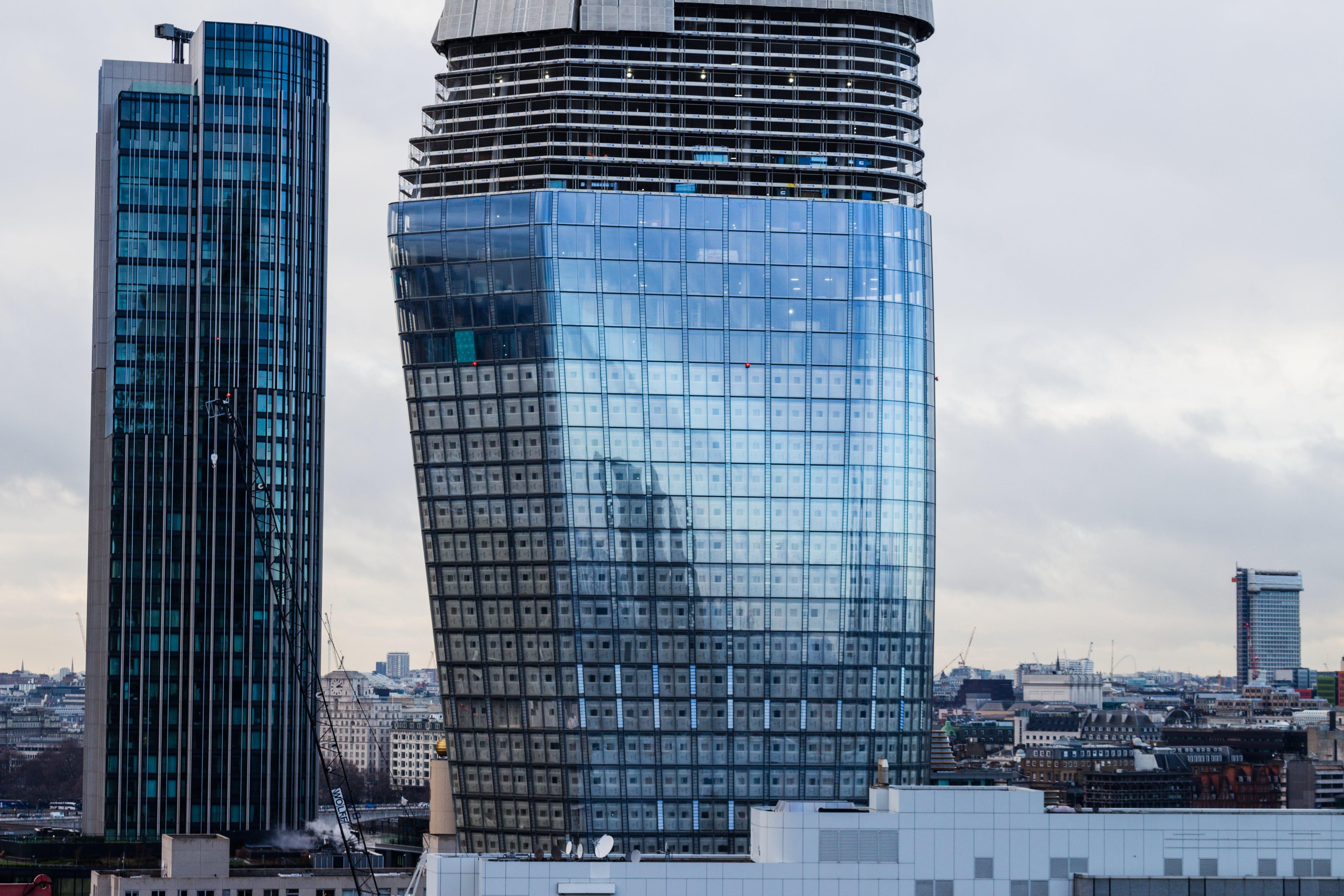 反射, 城市, 塔, 外觀 的 免費圖庫相片