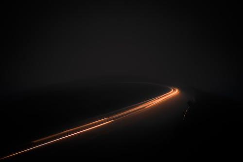 Darmowe zdjęcie z galerii z długa ekspozycja, droga, droga w nocy, jasny