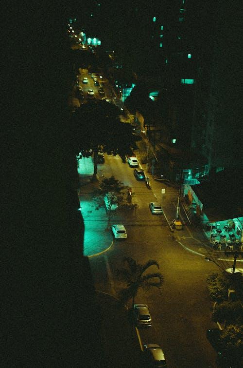 Darmowe zdjęcie z galerii z autor zdjęć, kinowy, noc miasta