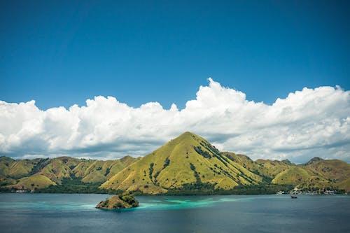 Fotobanka sbezplatnými fotkami na tému cestovať, dobrodružstvo, kopec, more