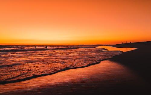 akşam, akşam karanlığı, altın saat, deniz içeren Ücretsiz stok fotoğraf
