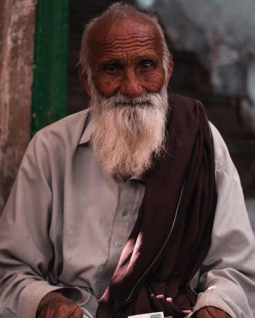 Foto d'estoc gratuïta de adult, ancians, arrugues, barba