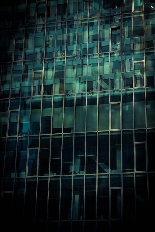 Gratis arkivbilde med arkitektur, bygning, fasade, glass