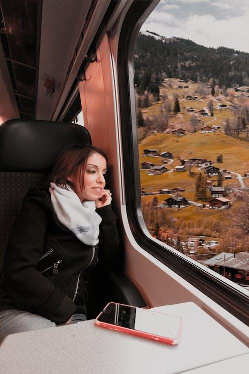 Foto stok gratis bepergian, dalam ruangan, dewasa, di luar rumah