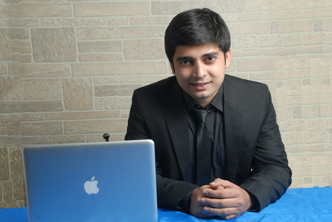 інформаційні технології, ноутбук, програміст