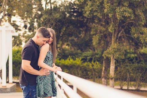 Kostnadsfri bild av intimitet, kärlek, kvinna, man