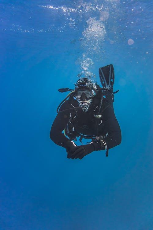 Darmowe zdjęcie z galerii z eksploracja, morze, nurek, nurkowanie