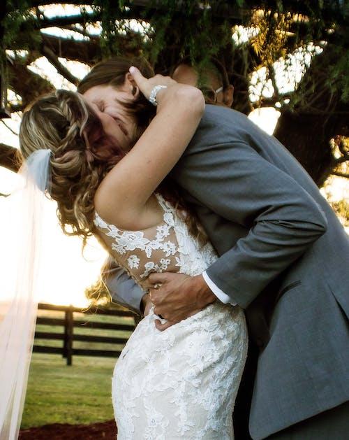 Ảnh lưu trữ miễn phí về bạn có thể hôn cô dâu, chú rể, cô dâu, Cô dâu và chú rể