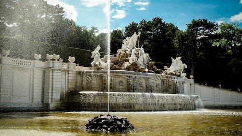 Gratis stockfoto met architectuur, beeld, bomen, fontein