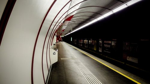Základová fotografie zdarma na téma město, metro, podzemí, stanice
