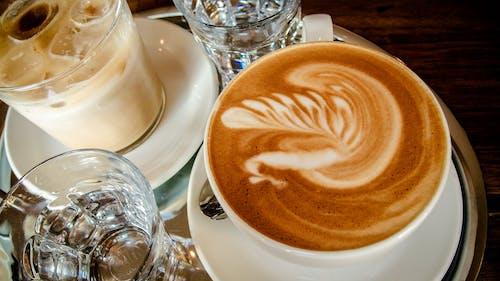 Gratis stockfoto met bistro, cappuccino, drinkglas, eetcafé